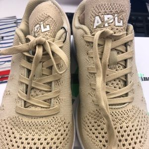 Cashmere Wheat Women's APL Sneakers Size 8